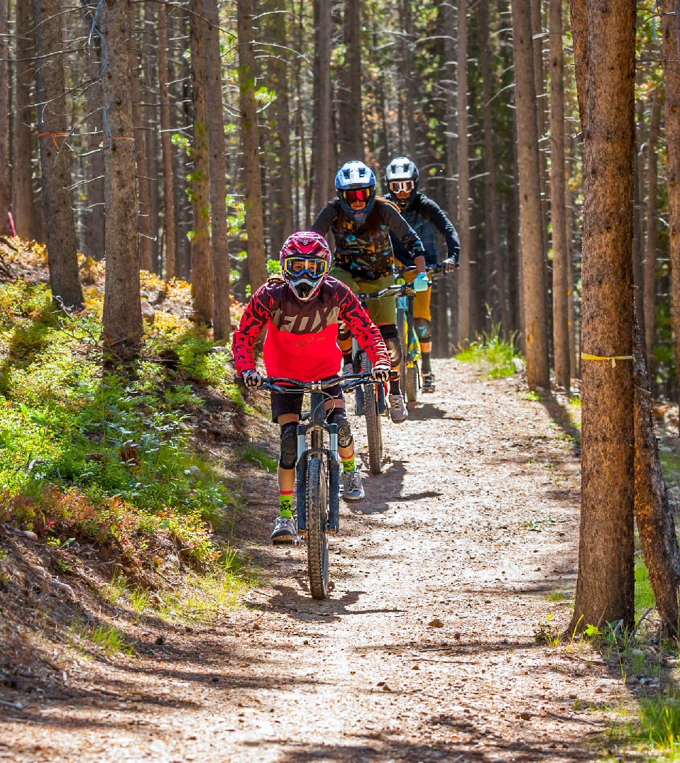 mountain bikers on green hornet trail